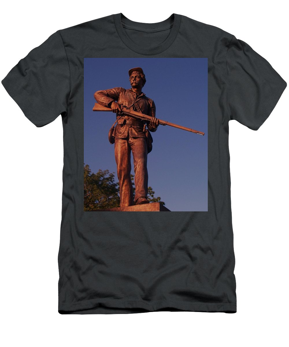 Gettysburg Men's T-Shirt (Athletic Fit) featuring the photograph Gettysburg Statue by Eric Schiabor