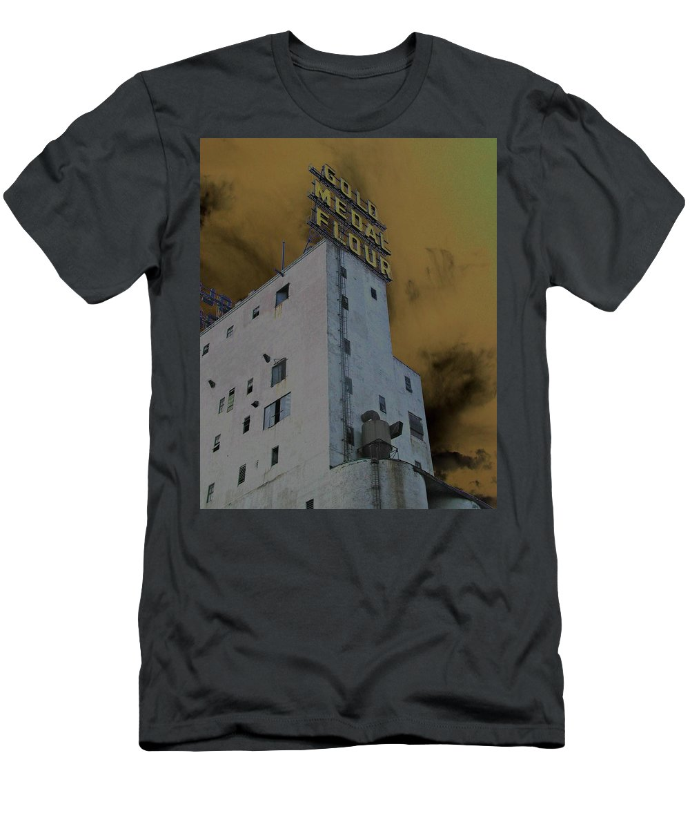 Minneapolis Men's T-Shirt (Athletic Fit) featuring the photograph Gold Medal Flour by Tom Reynen