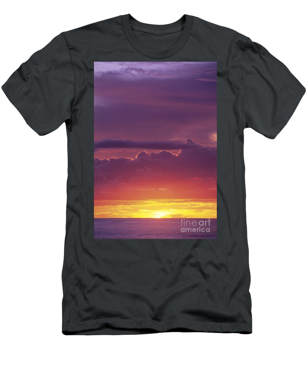 Afternoon Men's T-Shirt (Athletic Fit) featuring the photograph Gorgeous Sunset by Carl Shaneff - Printscapes