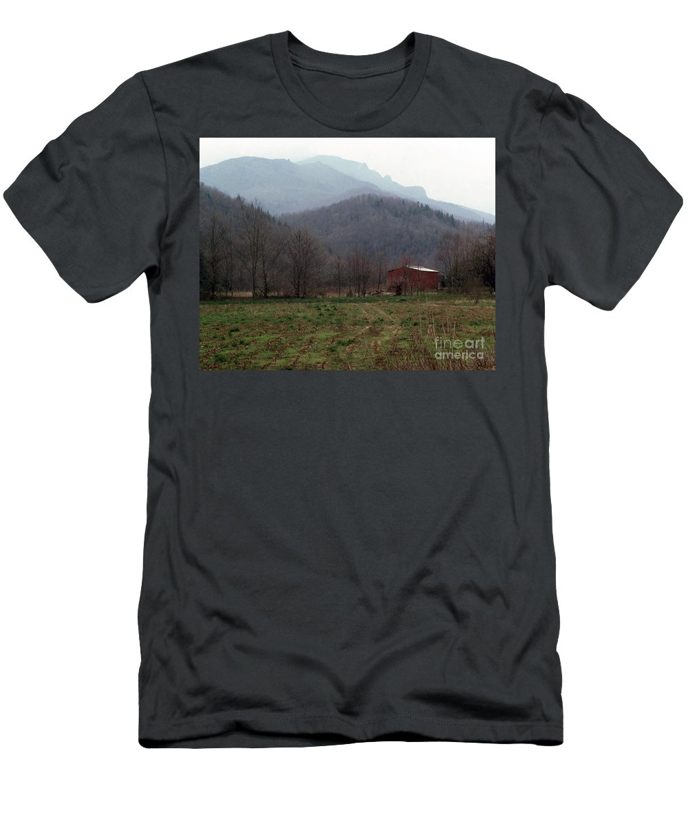 North Carolina Men's T-Shirt (Athletic Fit) featuring the photograph Grandfather Mountain by Richard Rizzo