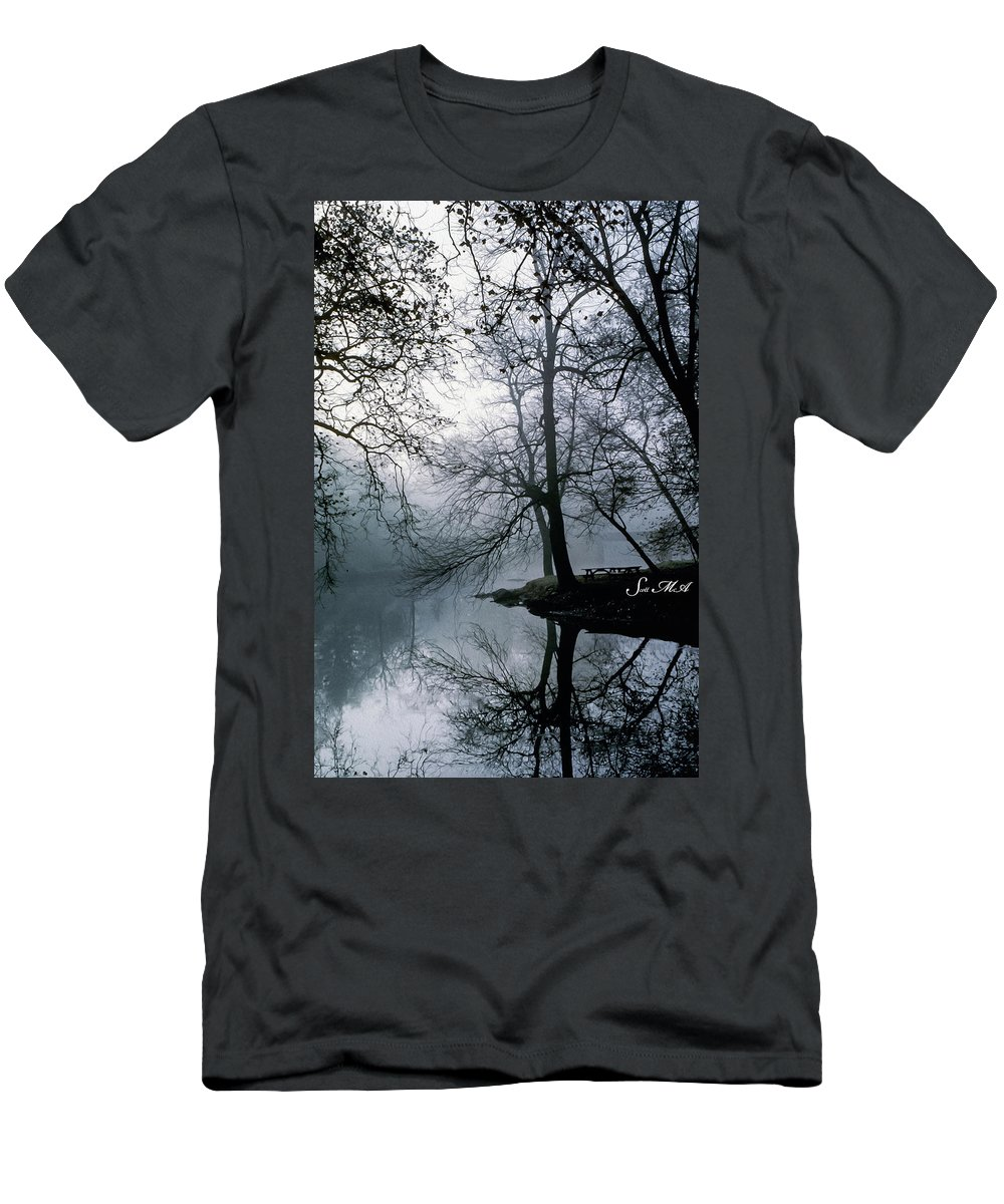 Grings Mill Recreation Area Men's T-Shirt (Athletic Fit) featuring the photograph Grings Mill Fog 1043 by Scott McAllister