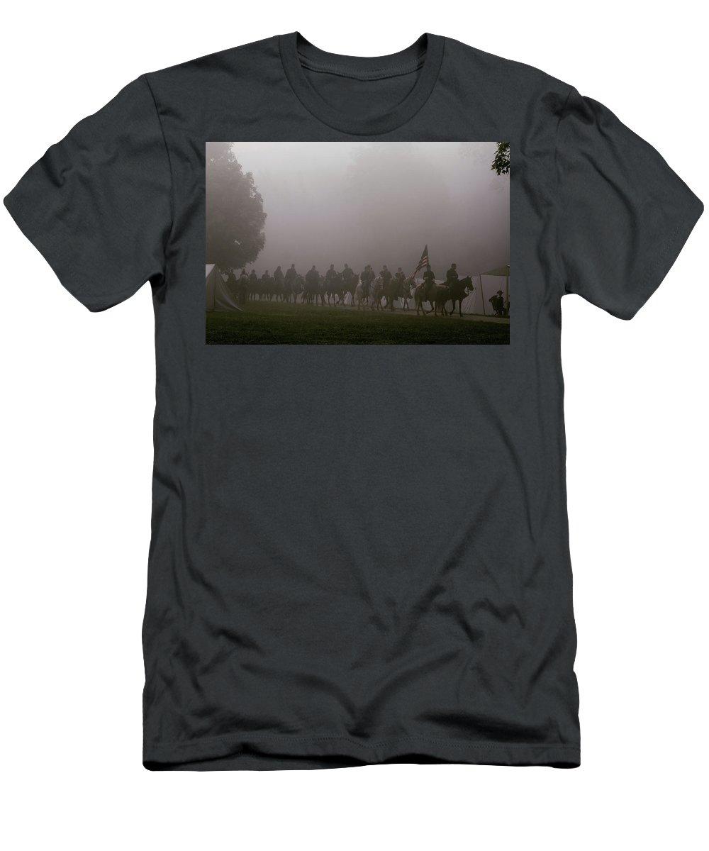 Civil War Men's T-Shirt (Athletic Fit) featuring the photograph Hale Farm Morning Mist by Susie Gordon