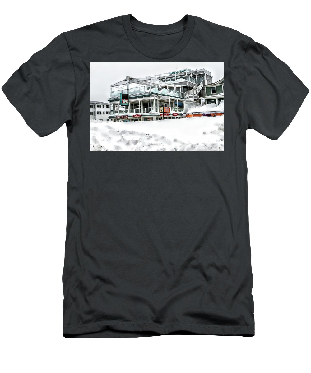 Hampton Beach Nh Photo Men's T-Shirt (Athletic Fit) featuring the photograph Hampton Beach 2015 by Larry Richardson
