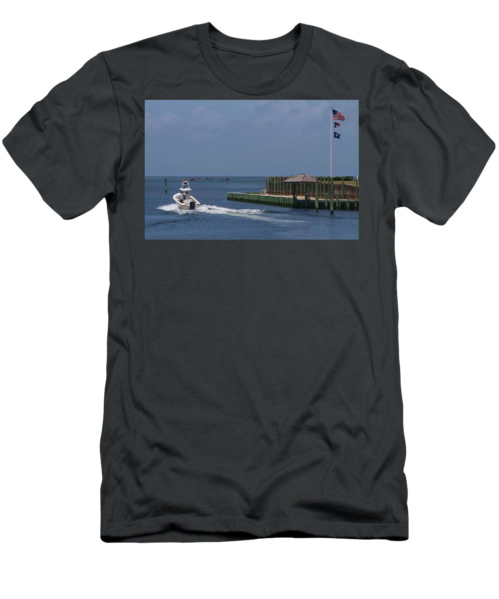 Hatteras Men's T-Shirt (Athletic Fit) featuring the photograph Hatteras Dock And Boat by Cathy Lindsey