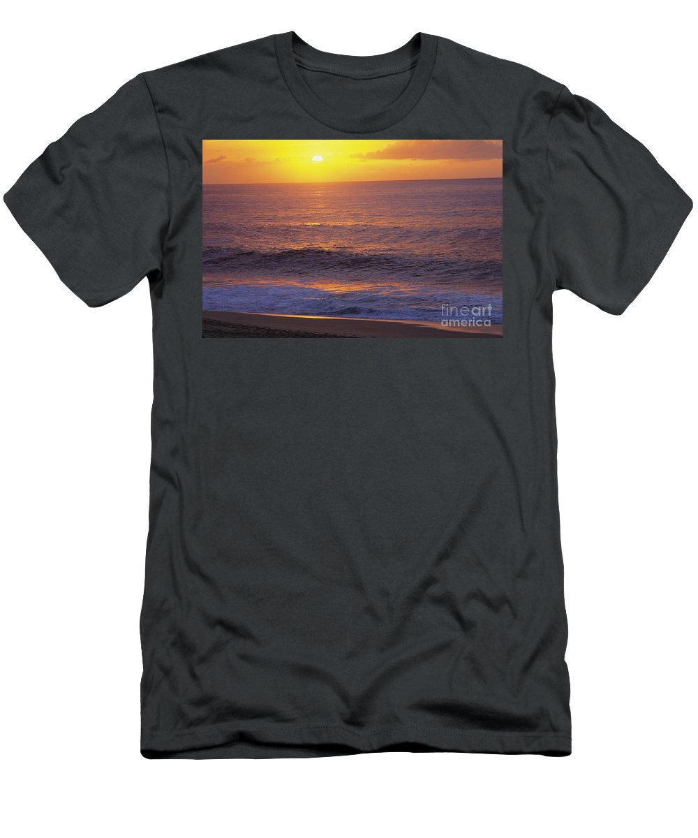 Ali O Neal Men's T-Shirt (Athletic Fit) featuring the photograph Hawaii Sunset by Ali ONeal - Printscapes