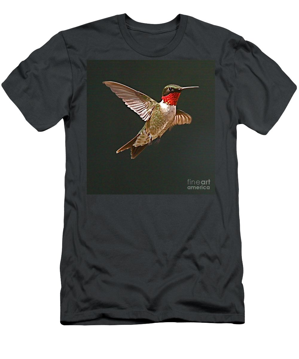 Humming Bird Men's T-Shirt (Athletic Fit) featuring the photograph Hmmmmmmmmmmmm by Robert Pearson