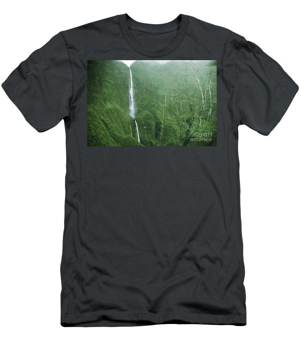 Aerial Men's T-Shirt (Athletic Fit) featuring the photograph Honokohau Falls by Joe Carini - Printscapes