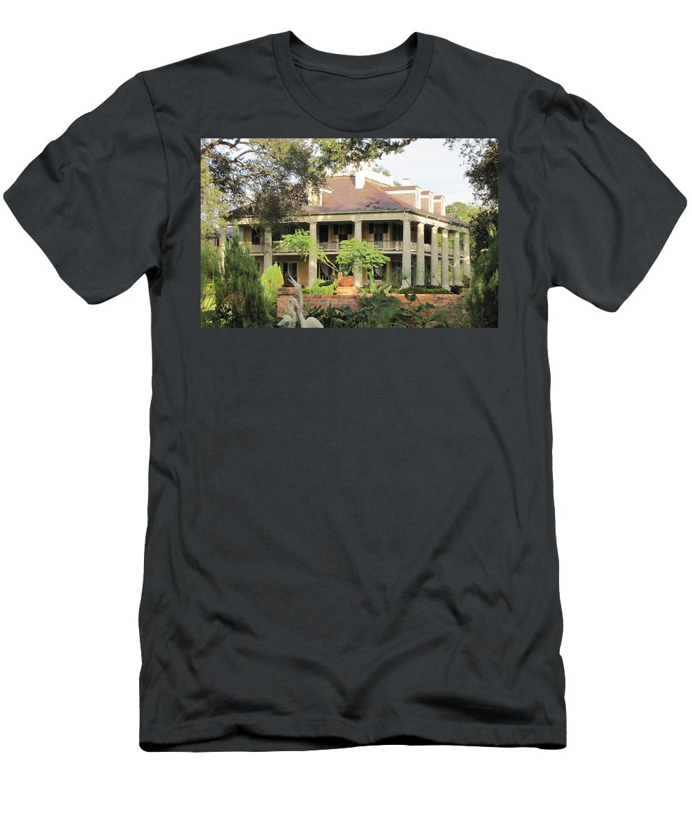 Plantation Homes Men's T-Shirt (Athletic Fit) featuring the photograph Houma Plantation by Michelle Powell