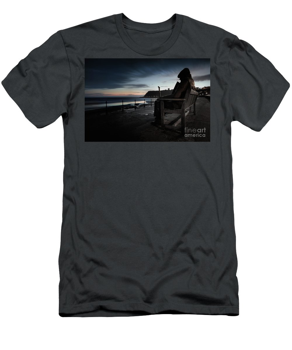 Sculpture Men's T-Shirt (Athletic Fit) featuring the photograph Freddie Gilfroy - Scarborough North Bay by Martin Williams