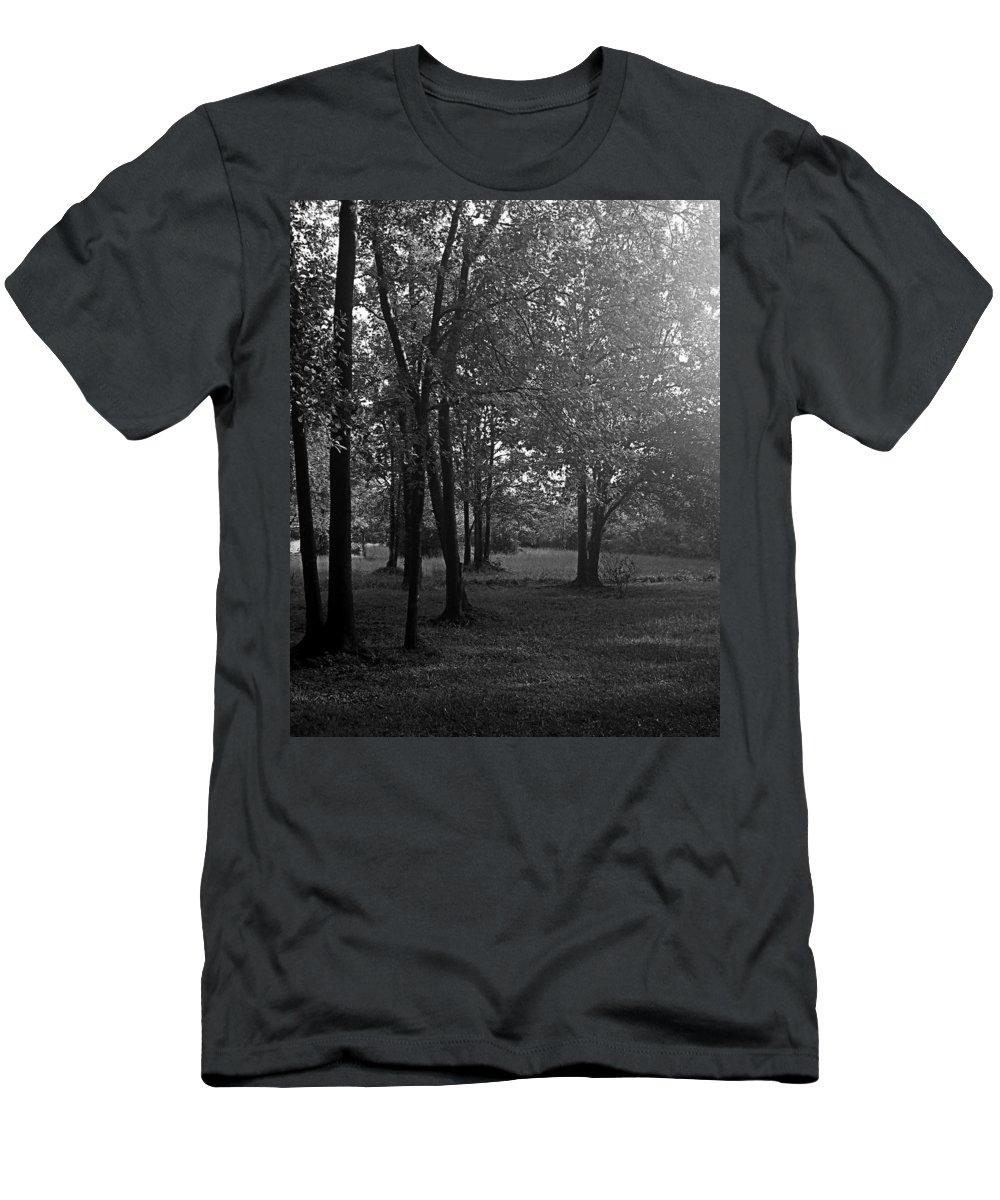 Feild Men's T-Shirt (Athletic Fit) featuring the photograph In A Dream by Hannah Breidenbach