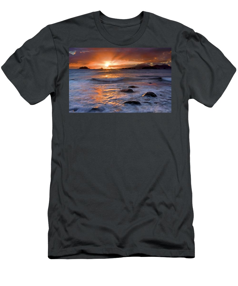 Alaska Men's T-Shirt (Athletic Fit) featuring the photograph Inspired Light by Mike Dawson
