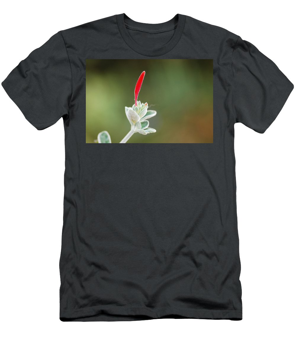 Floral Men's T-Shirt (Athletic Fit) featuring the photograph Just A Moment by Donna Blackhall