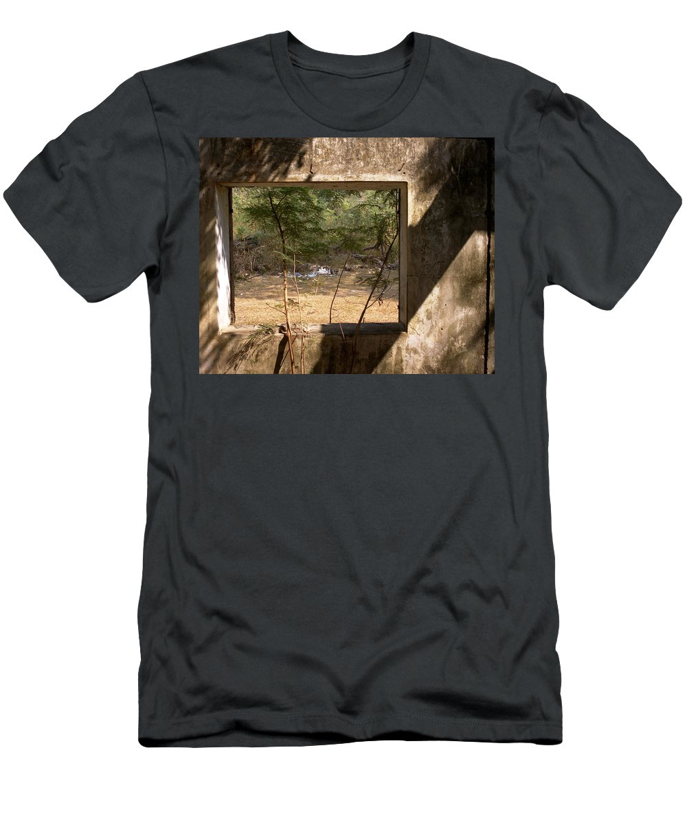 Kep Men's T-Shirt (Athletic Fit) featuring the photograph Kep by Patrick Klauss