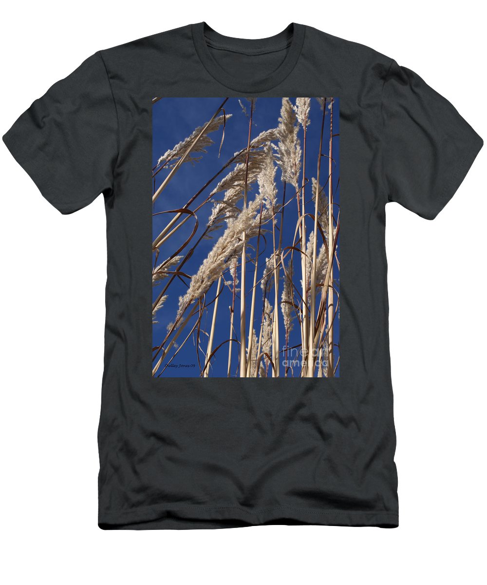 Photography Men's T-Shirt (Athletic Fit) featuring the photograph Line And Loop by Shelley Jones