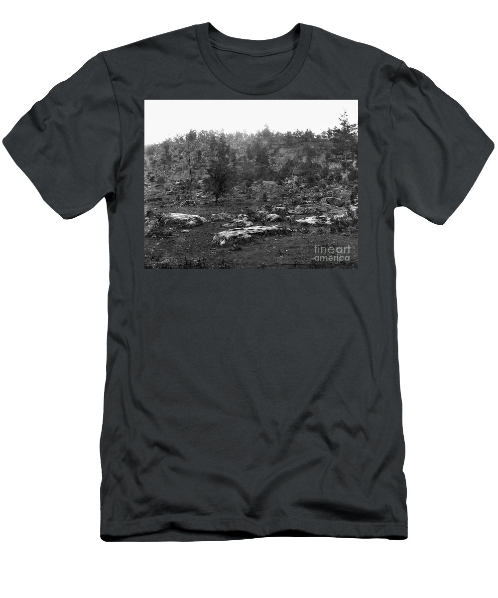 1863 Men's T-Shirt (Athletic Fit) featuring the photograph Little Round Top by Granger