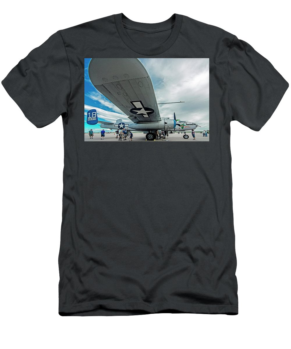 Commemorative Air Force Men's T-Shirt (Athletic Fit) featuring the photograph Maid In The Shade by John Bartelt