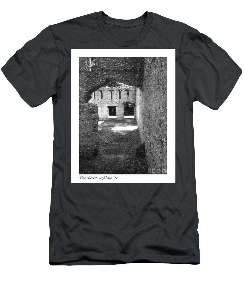 Tabby Men's T-Shirt (Athletic Fit) featuring the photograph Mcintosh Sugar Mill Tabby Ruins Arch by Rebecca Stephens