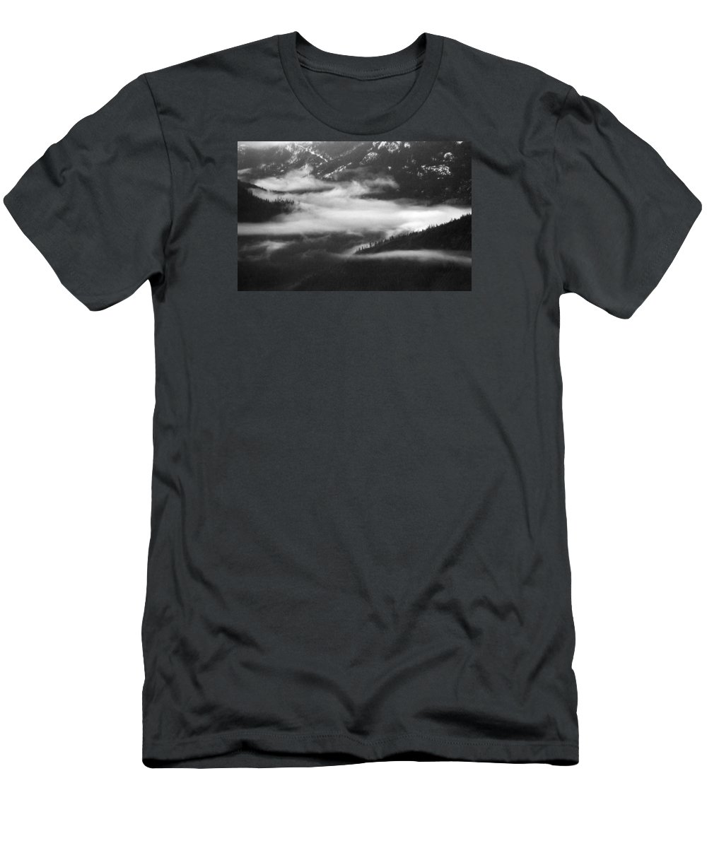 Black And White Men's T-Shirt (Athletic Fit) featuring the photograph Mist In The Valley by Lyle Crump