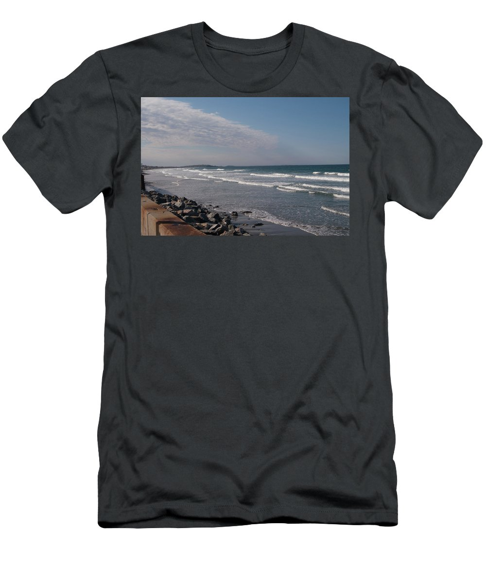 Beach Men's T-Shirt (Athletic Fit) featuring the photograph Nantasket Beach by Adam Gladstone
