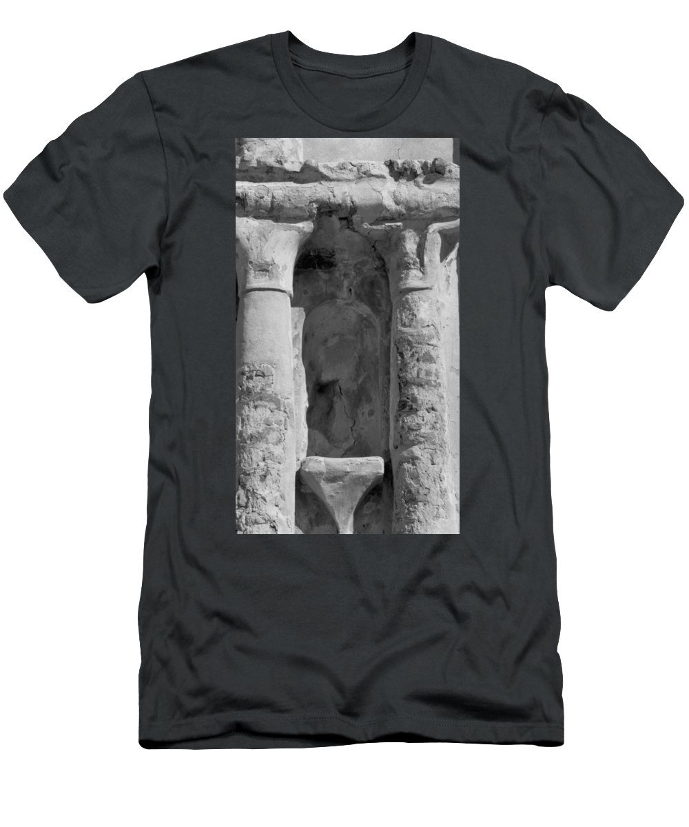 Niche Men's T-Shirt (Athletic Fit) featuring the photograph Niche by Kathy McClure