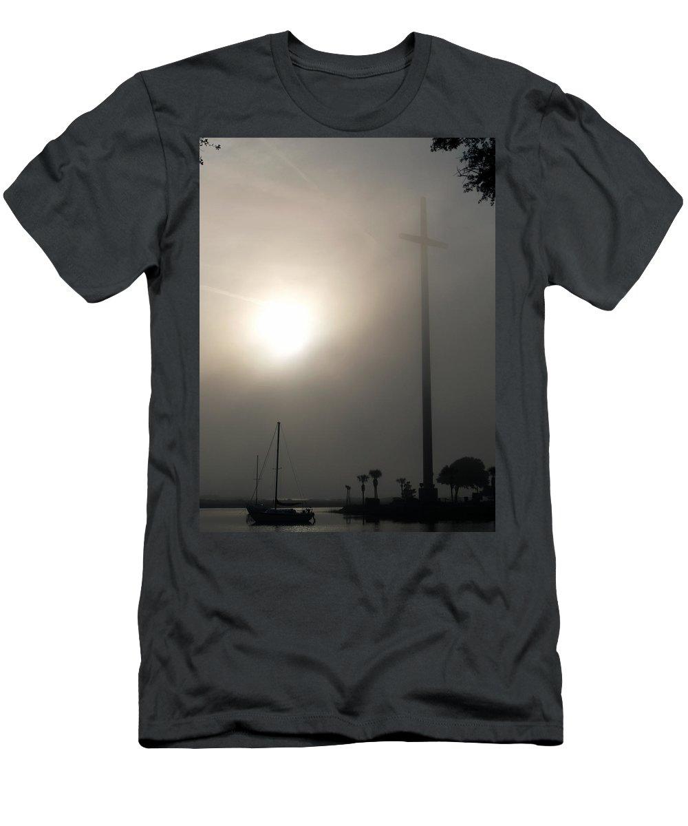 Nombre De Dios Men's T-Shirt (Athletic Fit) featuring the photograph Nombre De Dios - The Great Cross by Bob Johnson