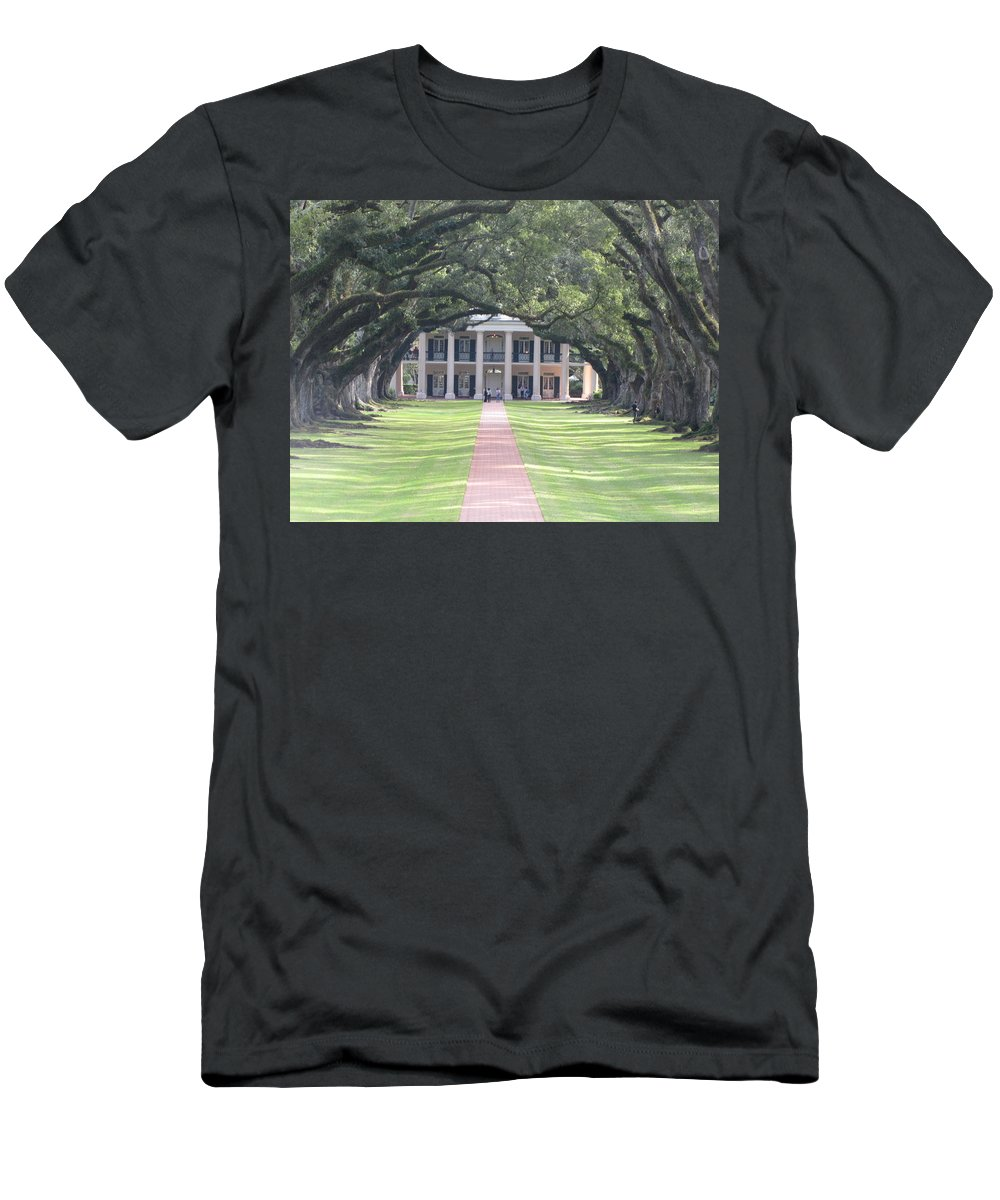Plantation Homes Men's T-Shirt (Athletic Fit) featuring the photograph Oak Alley Plantation by Michelle Powell
