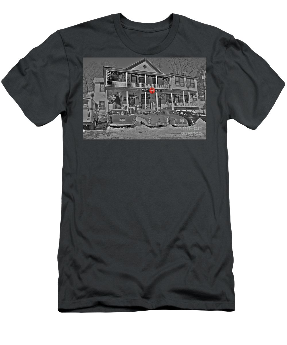 Old Men's T-Shirt (Athletic Fit) featuring the photograph Old Country Store by Todd Hostetter