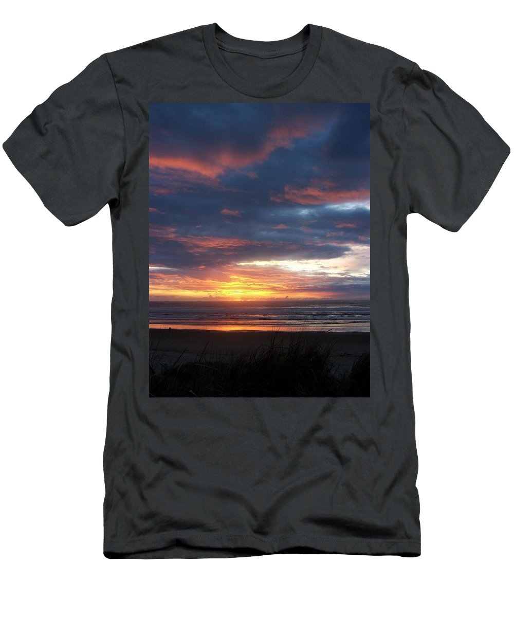 Beach Men's T-Shirt (Athletic Fit) featuring the photograph Oregon Coast 11 by Deahn   Benware