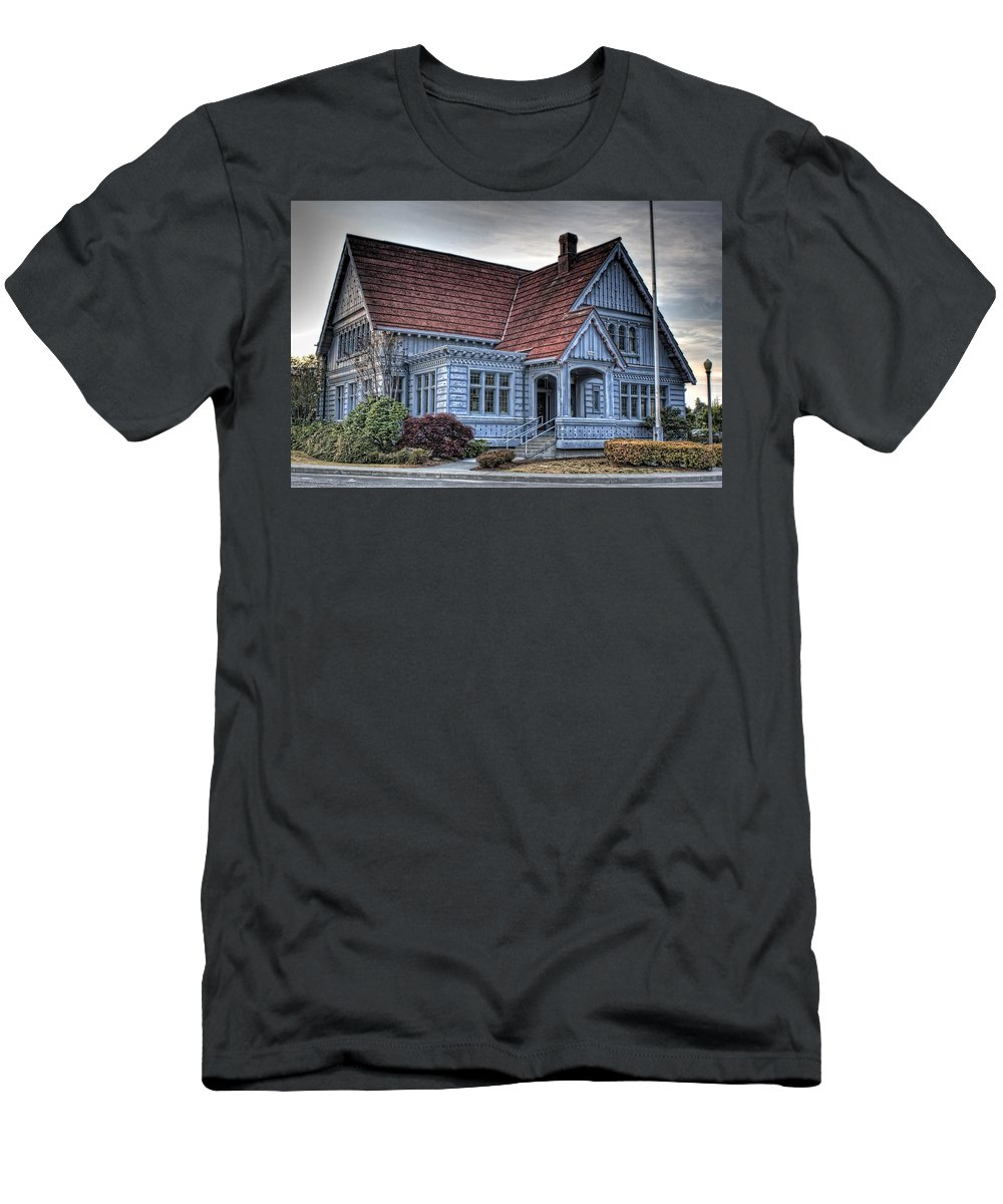 Hdr Men's T-Shirt (Athletic Fit) featuring the photograph Painted Blue House by Brad Granger