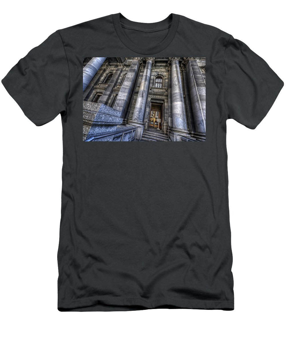 Adelaide Men's T-Shirt (Athletic Fit) featuring the photograph Parliament House by Wayne Sherriff