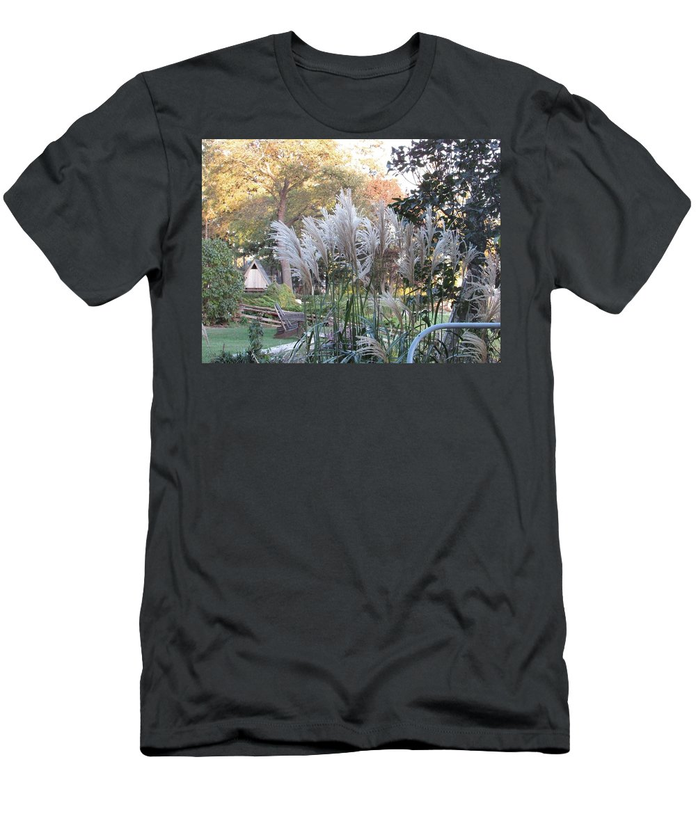 Lake Erie Men's T-Shirt (Athletic Fit) featuring the photograph Pigeon Bay by Juli Kreutner