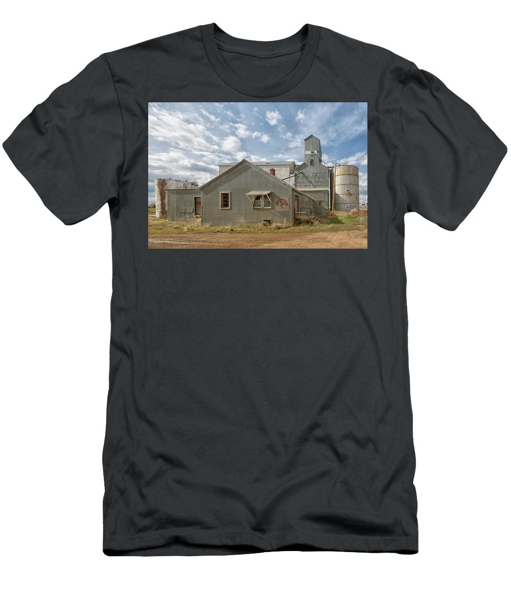 2017 Men's T-Shirt (Athletic Fit) featuring the photograph Plevna Grain Elevator by Roberta Peake