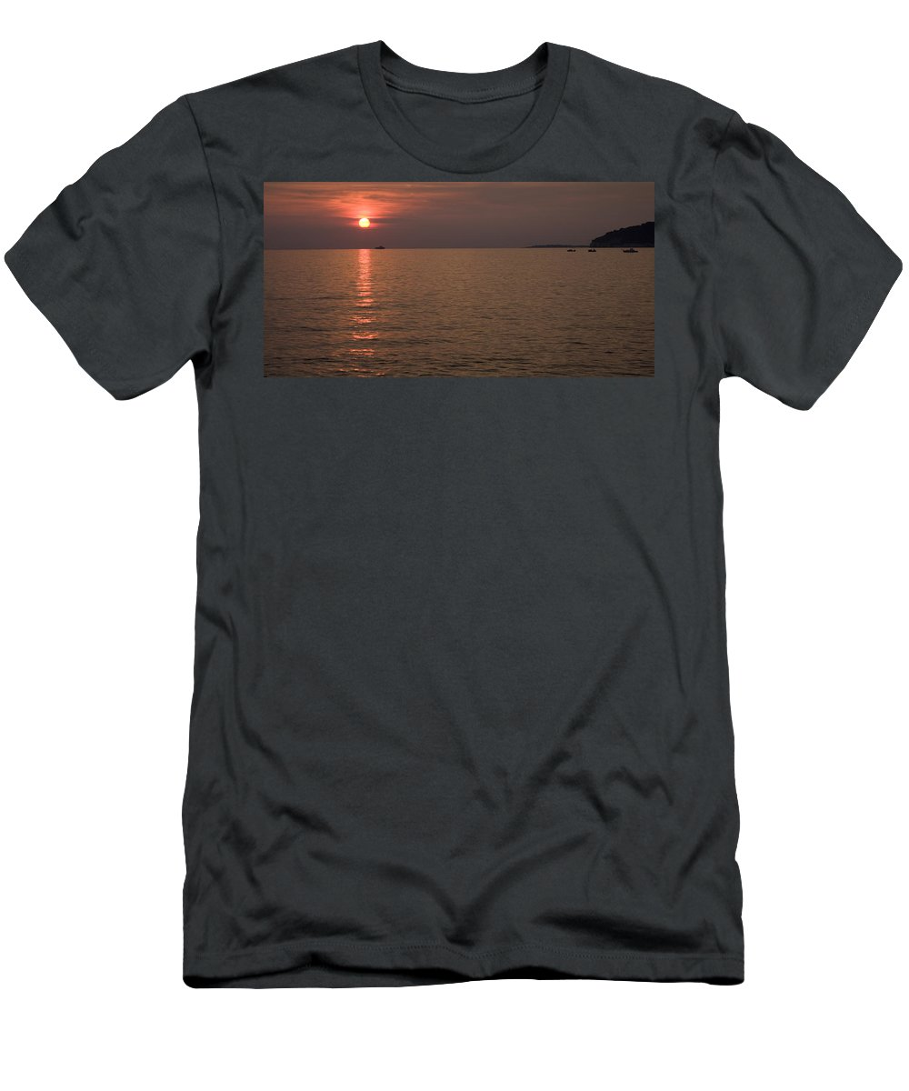 Sea Men's T-Shirt (Athletic Fit) featuring the photograph Red Dusk Over Pula by Ian Middleton