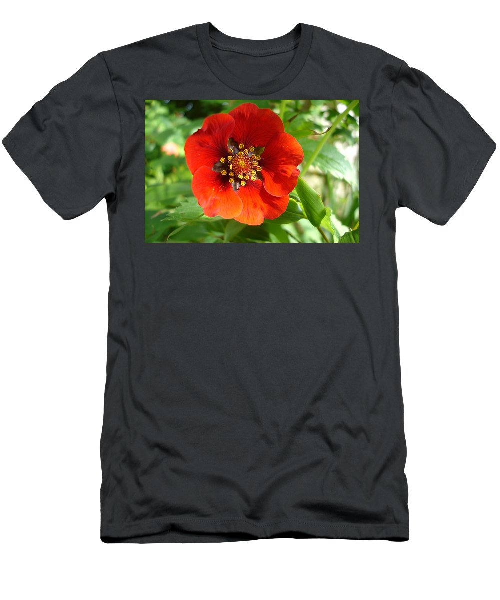 Flora Men's T-Shirt (Athletic Fit) featuring the photograph Red Red Bloom by Susan Baker