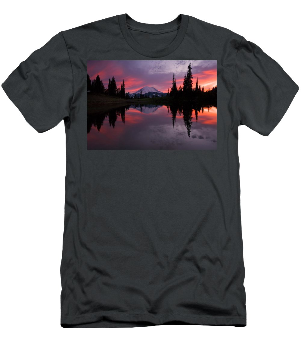 Rainier Men's T-Shirt (Athletic Fit) featuring the photograph Red Sky At Night by Mike Dawson