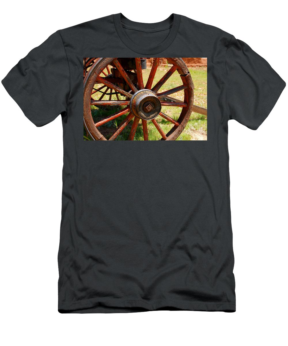 Wagon Men's T-Shirt (Athletic Fit) featuring the photograph Red Wheels by David Lee Thompson