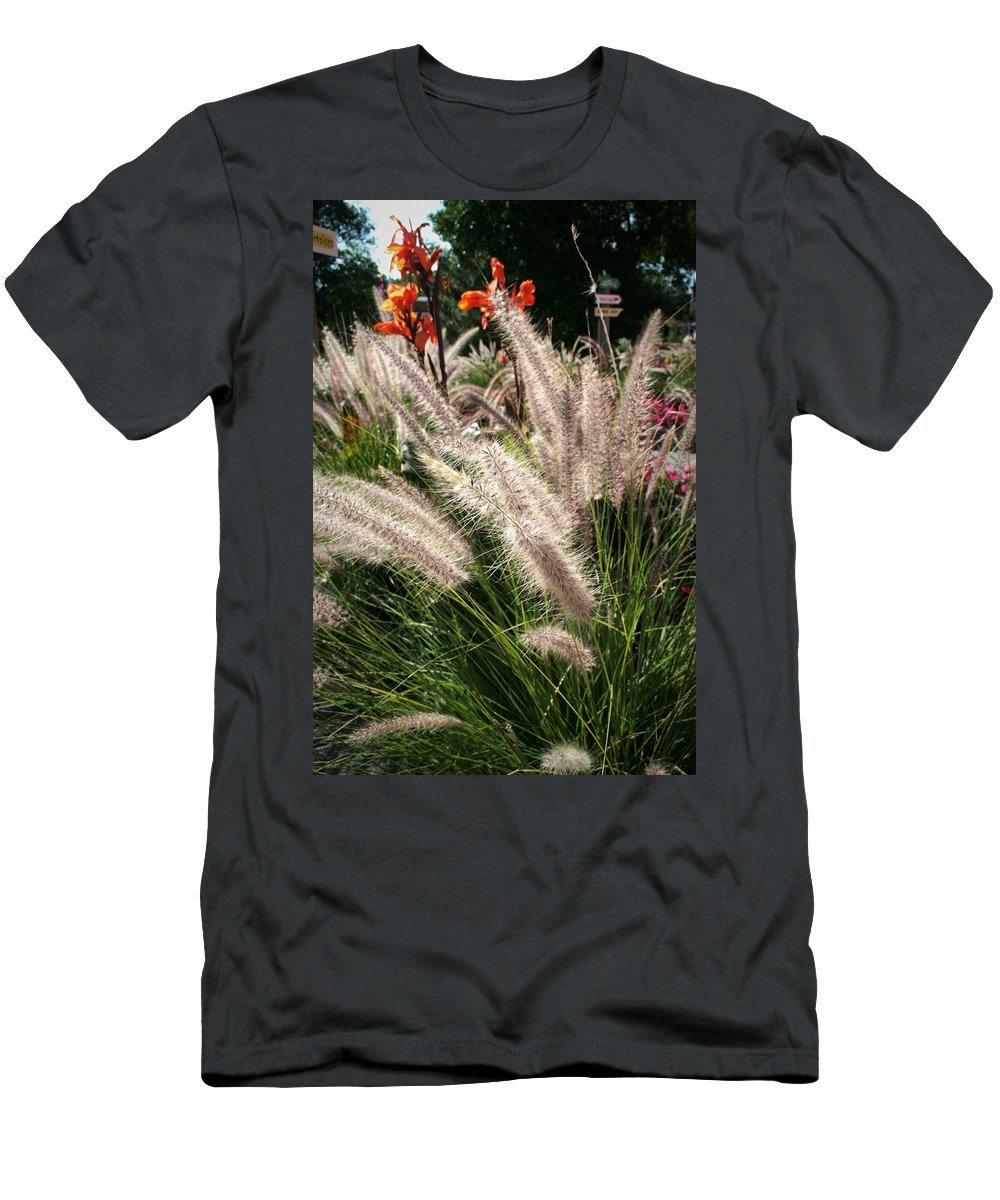 Mount Rushmore Men's T-Shirt (Athletic Fit) featuring the photograph Reptile Garden Plantsi by Mike Oistad