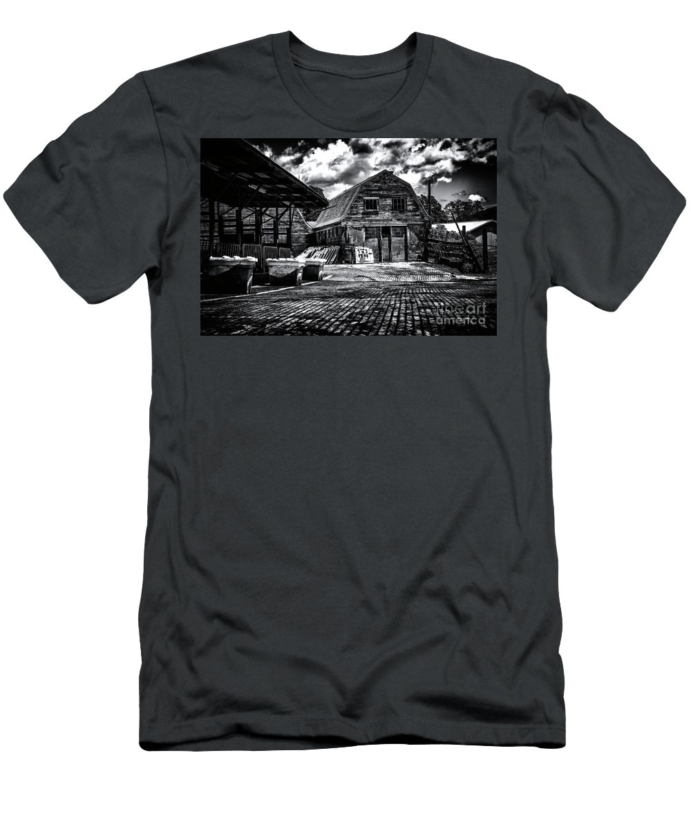 Salisbury Ct Men's T-Shirt (Athletic Fit) featuring the photograph Salisbury Ct by Grant Dupill