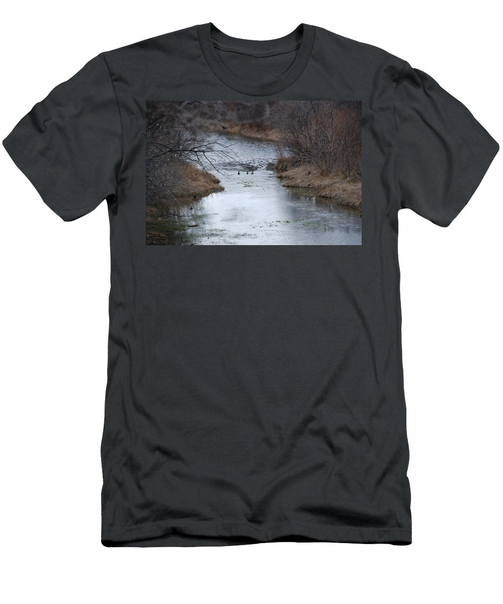 Birds Men's T-Shirt (Athletic Fit) featuring the photograph Sante Fe River by Rob Hans