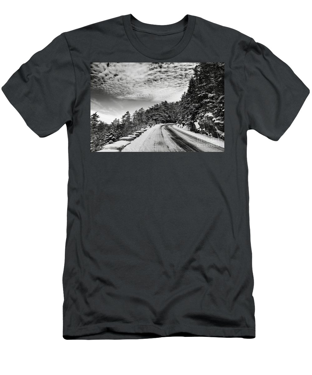 Winter Men's T-Shirt (Athletic Fit) featuring the photograph Sargents Drive by Susan Garver