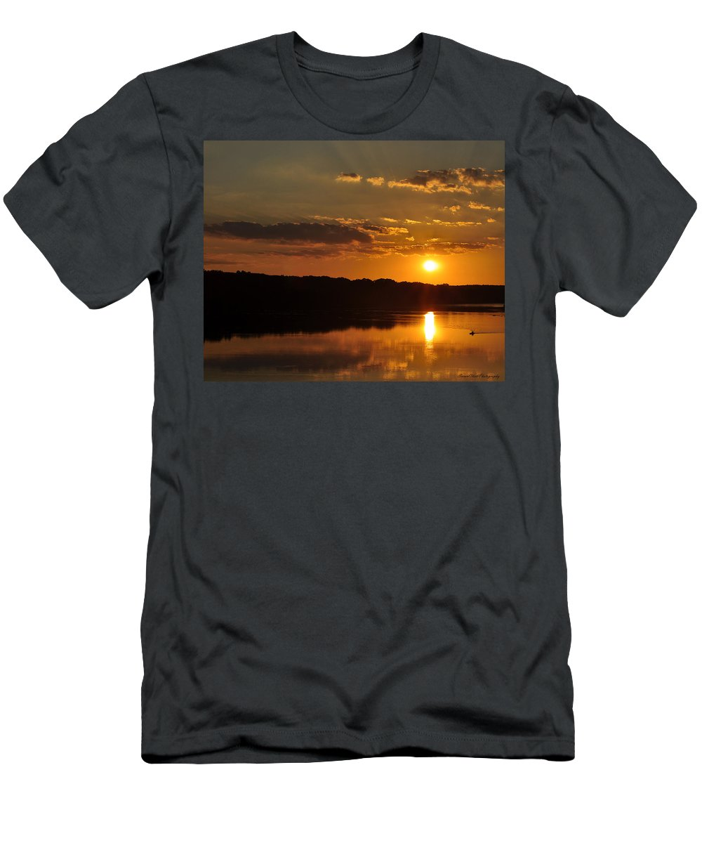 Landscape Men's T-Shirt (Athletic Fit) featuring the photograph Savannah River Sunset by Susan Cliett