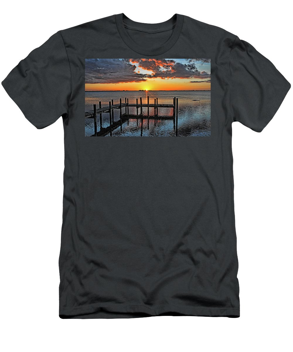Sarasota Bay Men's T-Shirt (Athletic Fit) featuring the photograph Say Goodnight by HH Photography of Florida