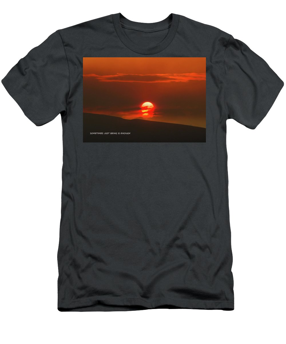 Sunset Men's T-Shirt (Athletic Fit) featuring the photograph Setting Sun Over The Wenas Valley by Jeff Swan