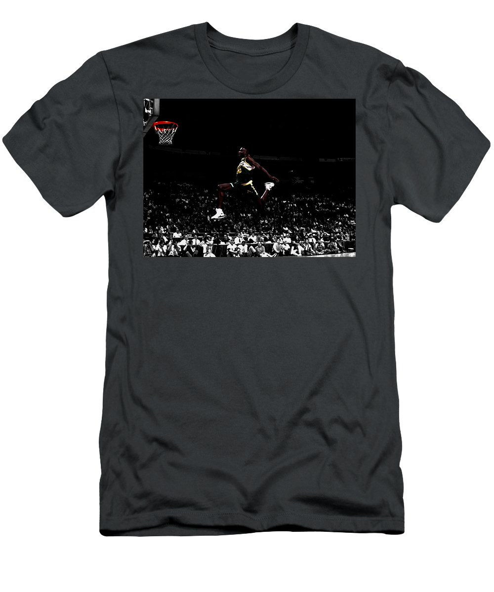 Shawn Kemp Men's T-Shirt (Athletic Fit) featuring the mixed media Shawn Kemp Taking Flight by Brian Reaves