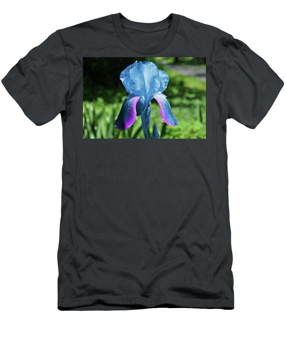 Iris Men's T-Shirt (Athletic Fit) featuring the photograph Shine by Trish Tritz