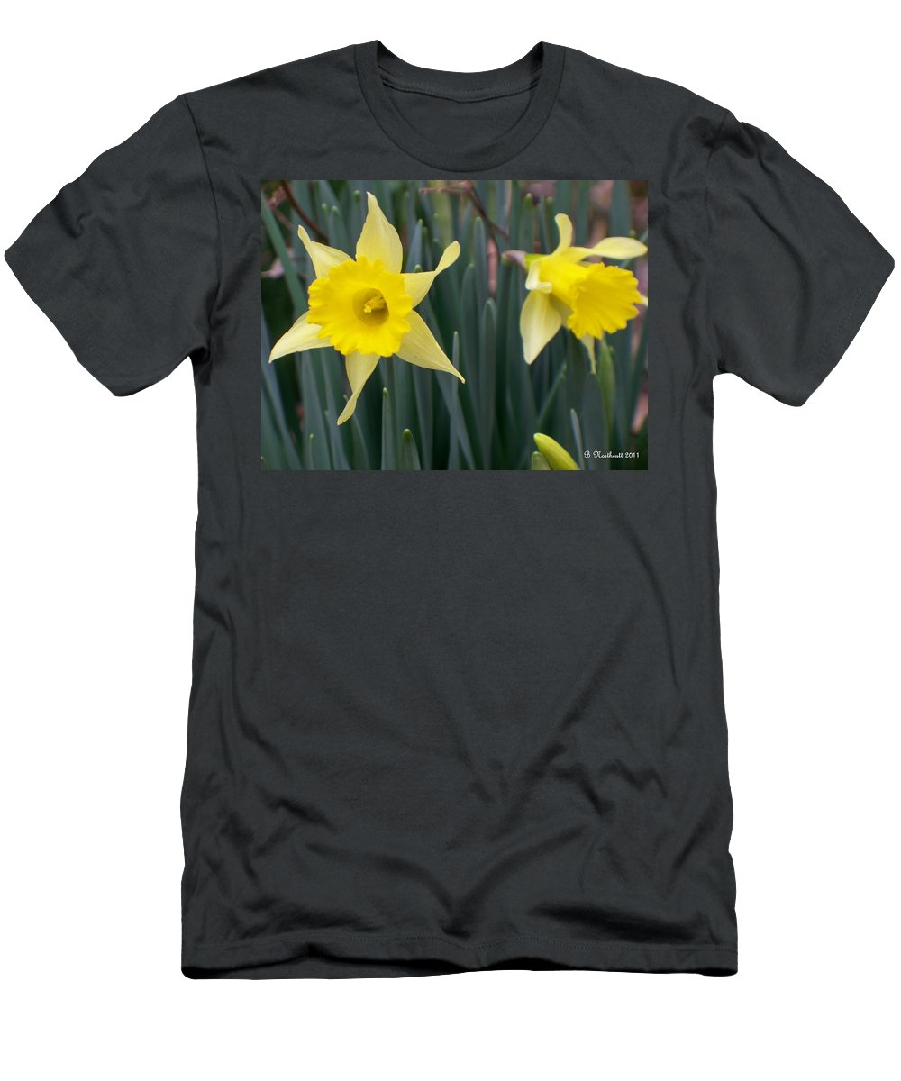 Daffodil Men's T-Shirt (Athletic Fit) featuring the photograph Sign Of Spring by Betty Northcutt
