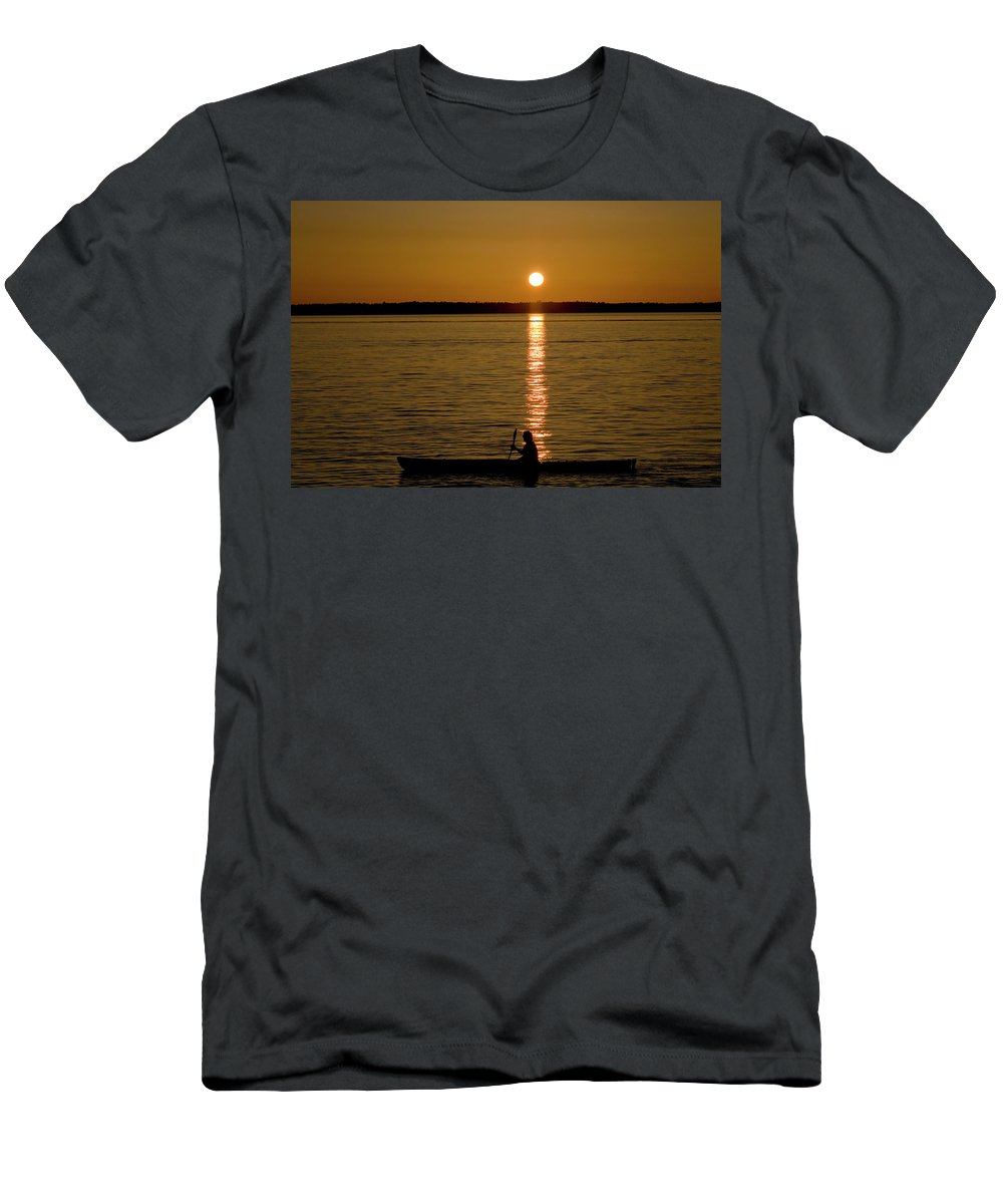 Solo Men's T-Shirt (Athletic Fit) featuring the photograph Solo by Monte Arnold