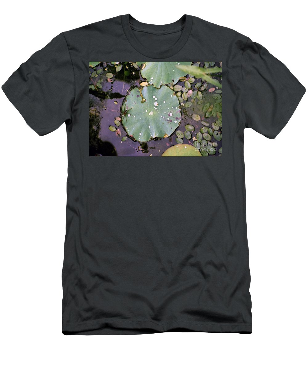 Lillypad Men's T-Shirt (Athletic Fit) featuring the photograph Spider And Lillypad by Richard Rizzo