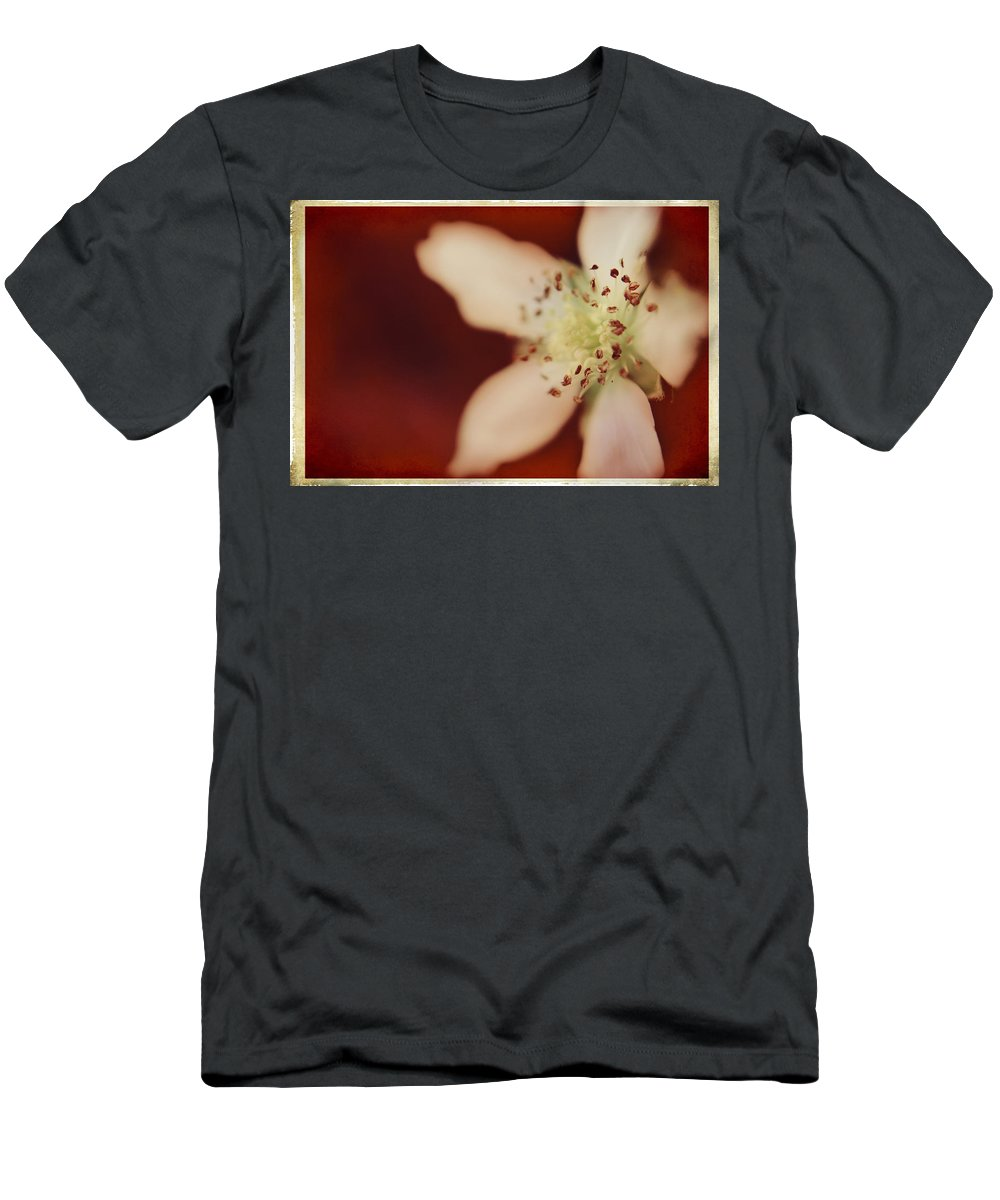 Macro Men's T-Shirt (Athletic Fit) featuring the photograph Spirit by Laurie Search