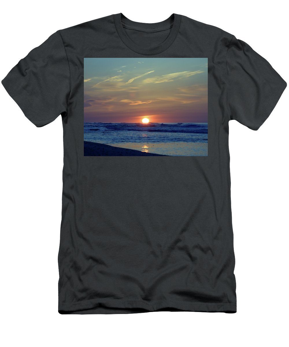 Seas Men's T-Shirt (Athletic Fit) featuring the photograph Spring Dawn by Newwwman